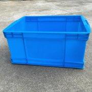 物流周转箱与货架结合使用好处及带盖考虑因素